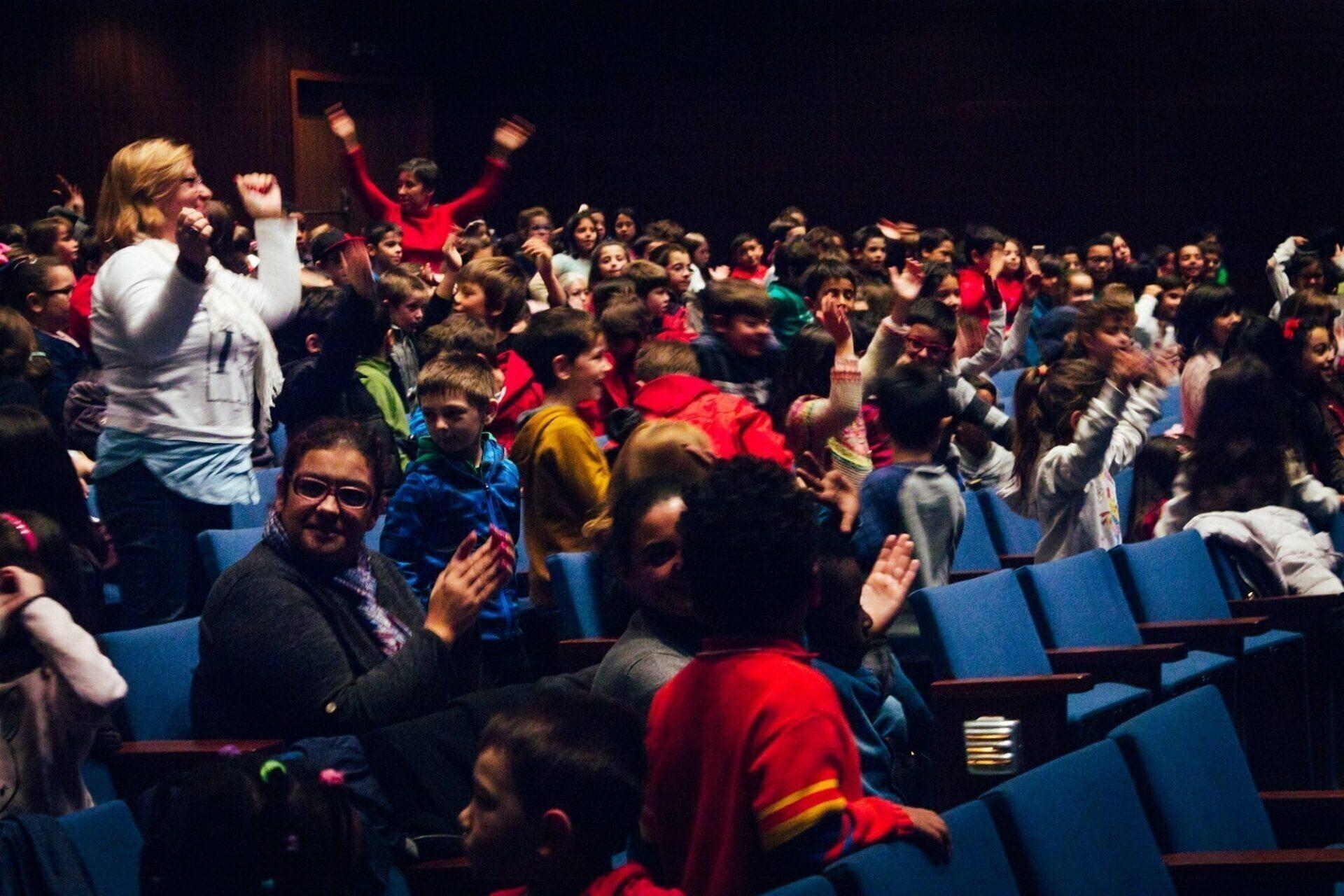 Os Caminhos Juniores são muitas vezes a primeira oportunidade para ver filmes numa sala de cinema.